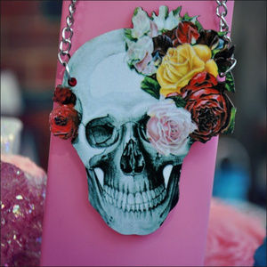 Jewelry - Large Wood Roses Skull Necklace